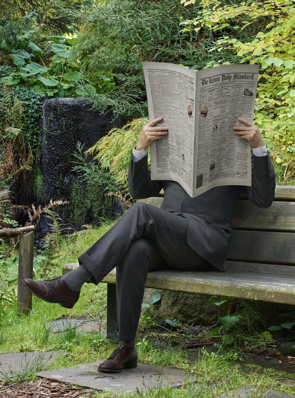 Rodney Graham, Newspaper Man, 2016. 182 x 136,2 x 18 cm © Rodney Graham, 2017
