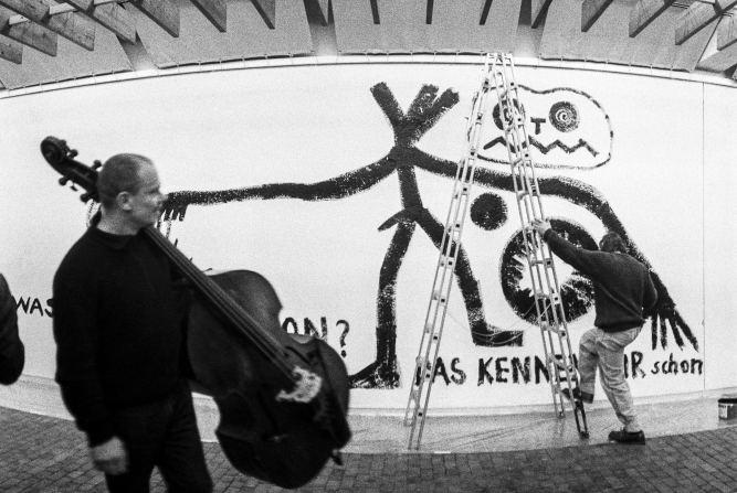 Peter Kowald, A.R. Penck, Workshop Freie Musik 1984 Photo: Dagmar Gebers Copyright: Dagmar Gebers/FMP-Publishing