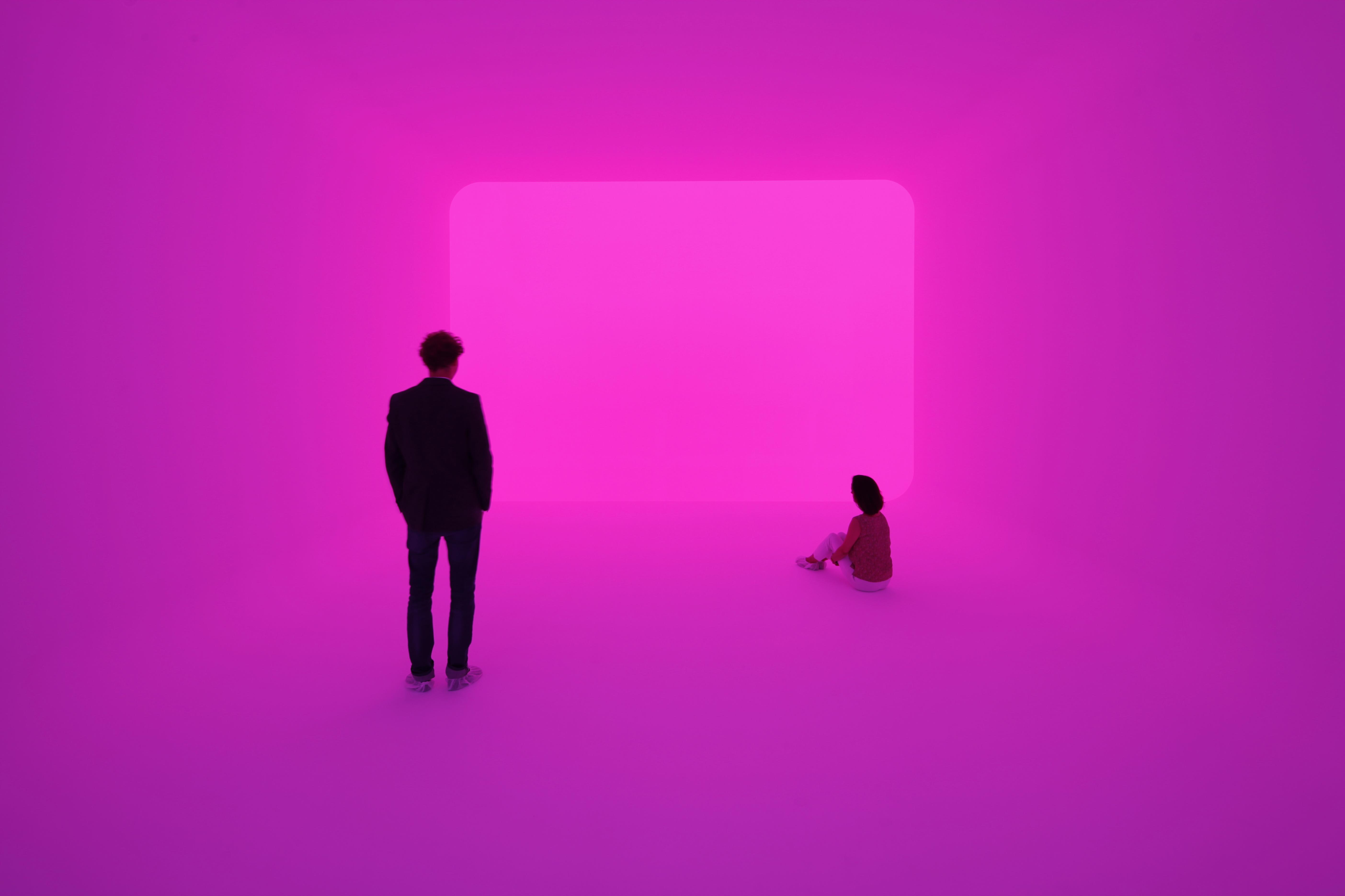 James Turrell, Ganzfeld APANI (Venice Biennial 2011), 2011, Installation, LED, 16 x 12 x 6m, Foto: Florian Holzherr ; Courtesy Häusler Contemporary München | Zürich
