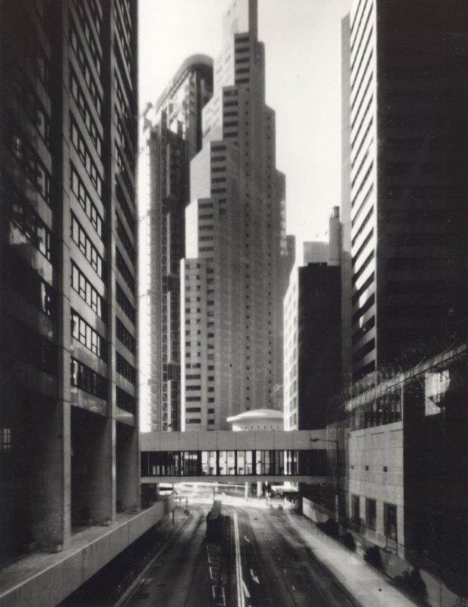 Ernst Logar, Hong Kong Central Standard Chartered Bank 1996, 1996, Gelatin silver print, 90 x 110cm