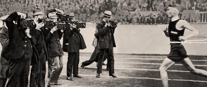 Fotografen am Zieleinlauf, 1922, ©ullstein bild
