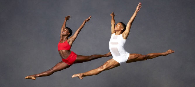 Alvin Ailey American Dance Theater (Foto: Andrew Eccles)