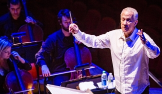 James Newton Howard (Foto: Versatile Light Studios Presse)
